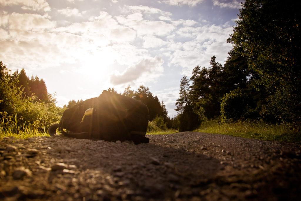 Backpack on the road: Flurstraße bei Tiefenpölz