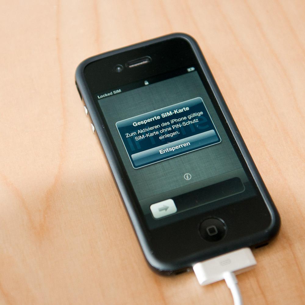 Bekanntes Problem: das iOS 5 benötigt die PIN der SIM-Karte