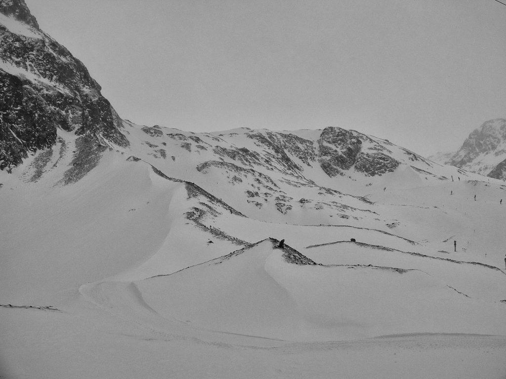 Blick auf das letzte Teilstück der Skiroute Fernau-Mauer. Heute mal eher wenig Schnee