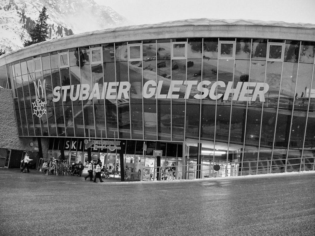 Talstation des Skigebiet Stubaier Gletscher