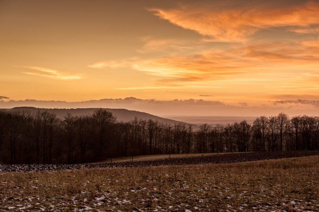 Sonnenuntergang während der Wanderung