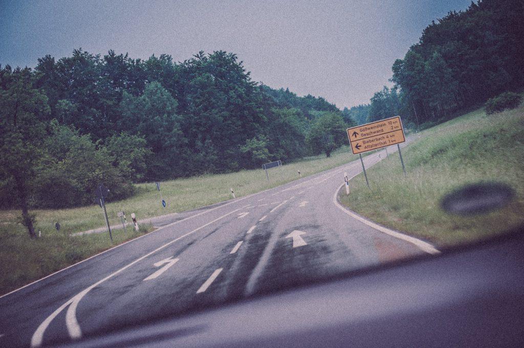 Ich als Beifahrer auf dem Weg nach Pottenstein in der Fränkischen Schweiz