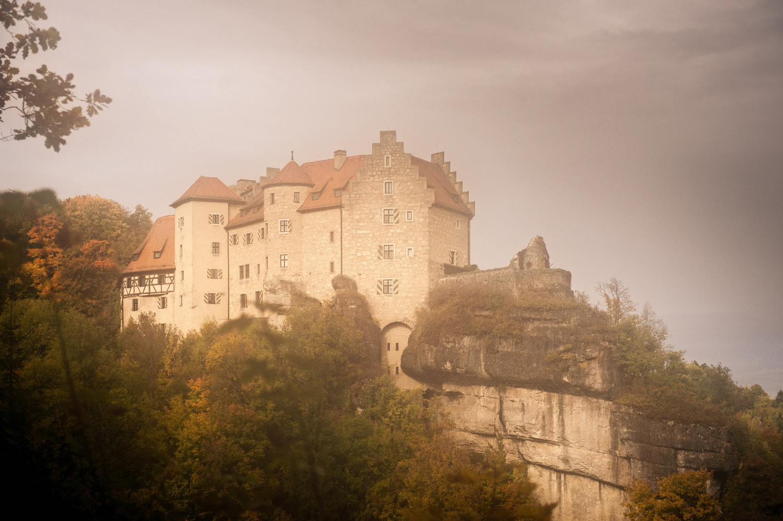 Burg Rabenstein im Herbst