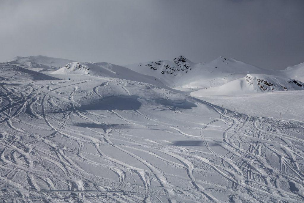 Licht- und Schattenspiel am Saxnerlift im Skigebiet Ratschings