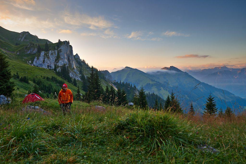 Selbstportrait im Sonnenaufgang an der Nesselwängler Scharte in den Tannheimer Bergen