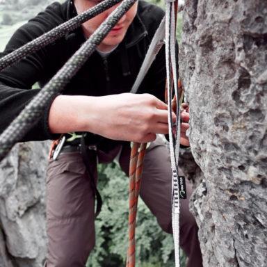 Abseilen vom - an der hochsten Stelle - 30 Meter hohen Zehnerstein