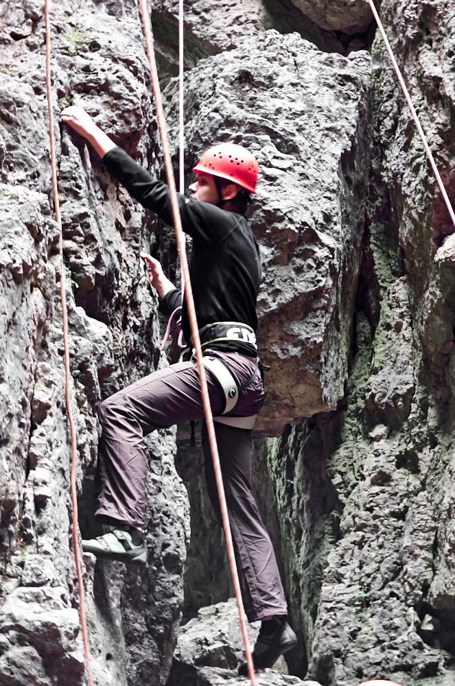Beim Klettern in Toprope am Zehnerstein bei Wolfsberg im Trubachtal