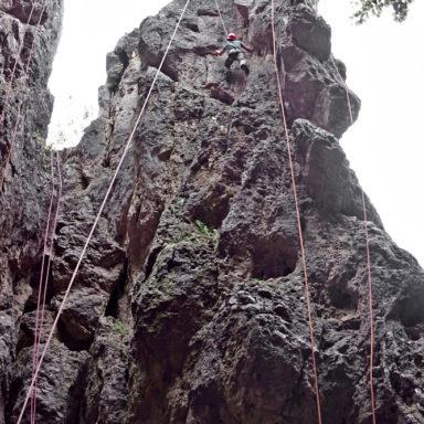 Hui - beim Klettern am 30 Meter hohen Zehnerstein im Trubachtal