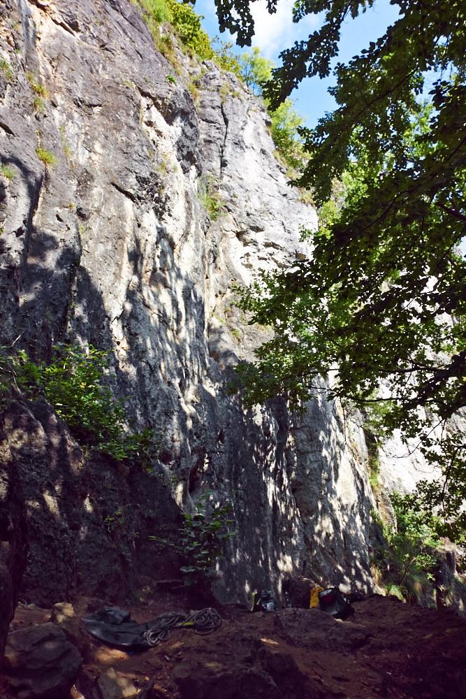 Der Röthelfels zwischen Urspring und Morschreuth im Trubachtal. Mit über 150 Routen einer der größeren Felsen in der Ecke.