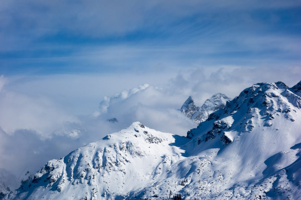 Die Trettachspitze, umhüllt von Wolken
