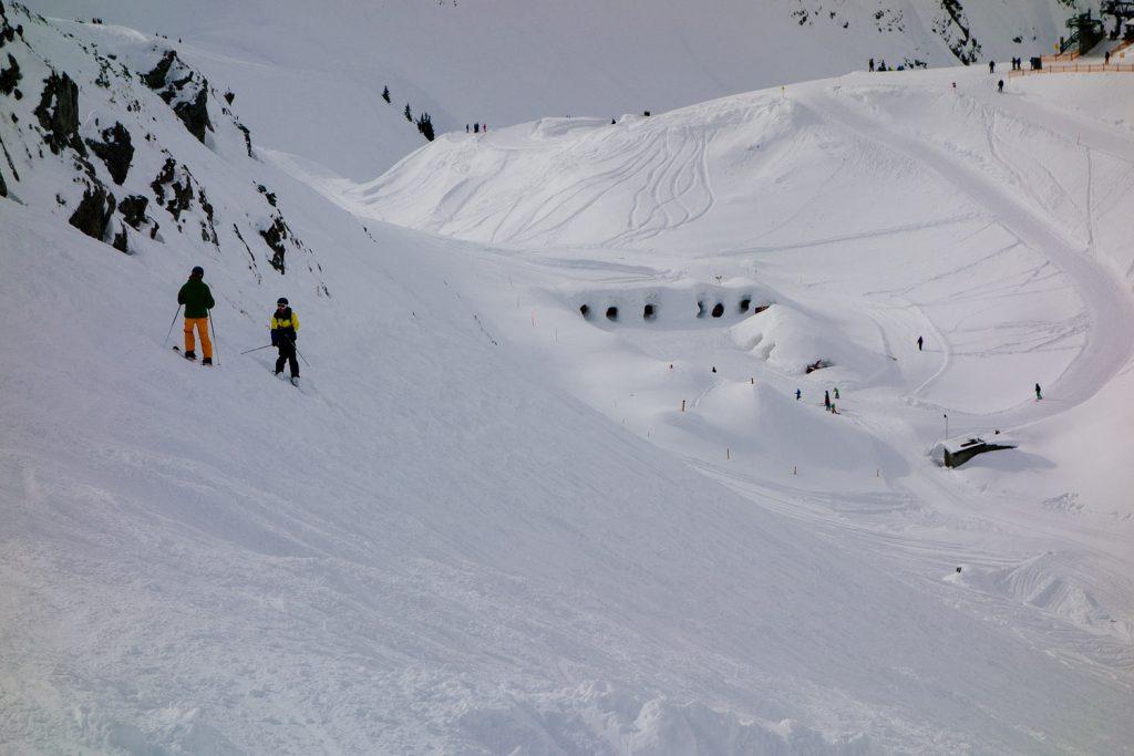 Blick auf die Iglu-Lodge am Nebelhorn