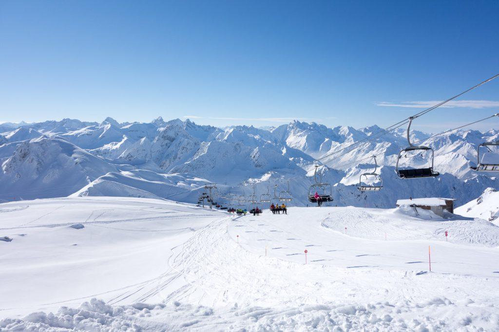 Der Koblat-Lift am Nebelhorn bei idealem Schneesport-Wetter