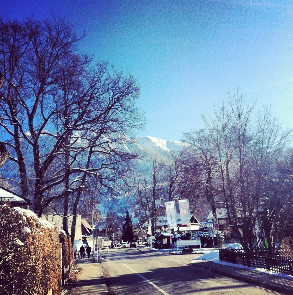 Auf den Weg zur Nebelhorn-Bahn in Oberstdorf