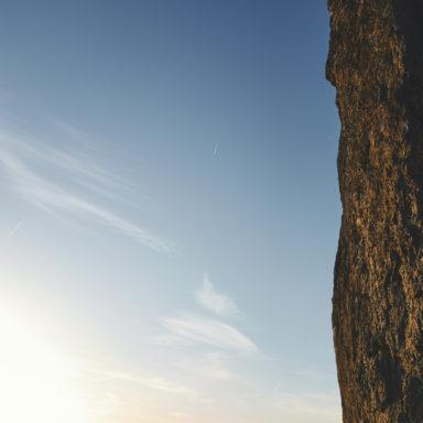 Beim Klettern an den Drei Zinnen im fränkischen Großenohe im Abendlicht