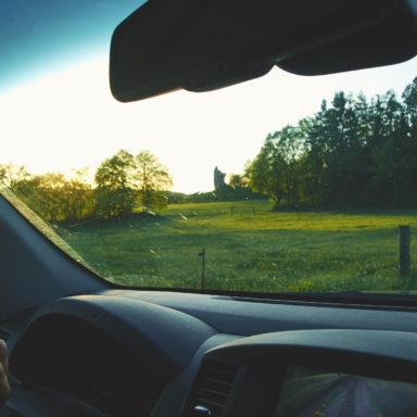 Auf dem Rückweg vom Klettern an den Drei Zinnen in der Fränkischen Schweiz