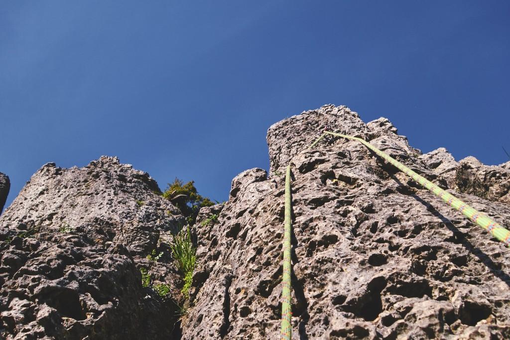 Beim Ablassen in der Südwand (5+) im Bereich Wandl an der Hohen Reute