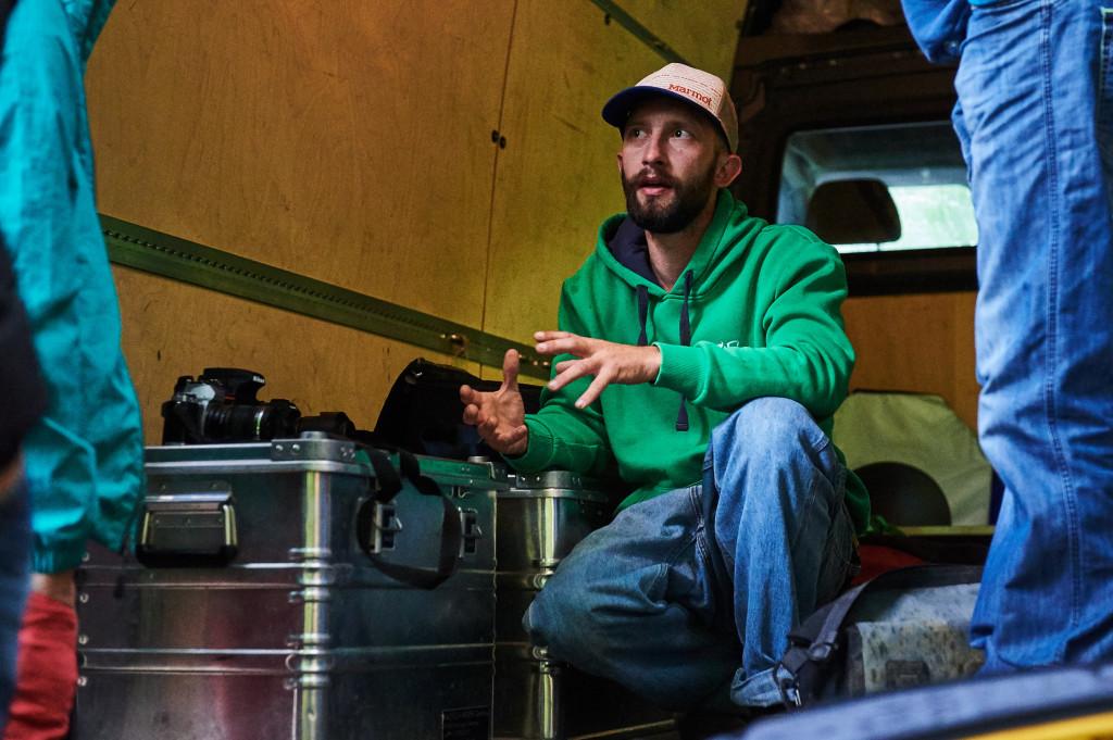 Frank Kretschmann erklärt wie, aber vor allem mit was er bei der Kletterfotografie arbeitet.