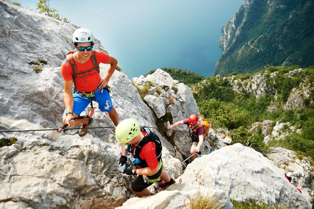 Anja hat sichtlich Spass im Klettersteig