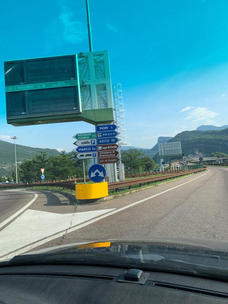 Autofahrt nach Riva del Garda am Gardasee
