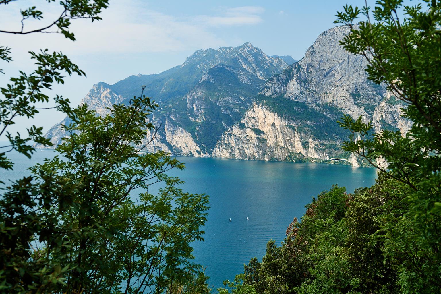 Ausblick vom Monte Brione auf den Gardasee und den Cima Capi