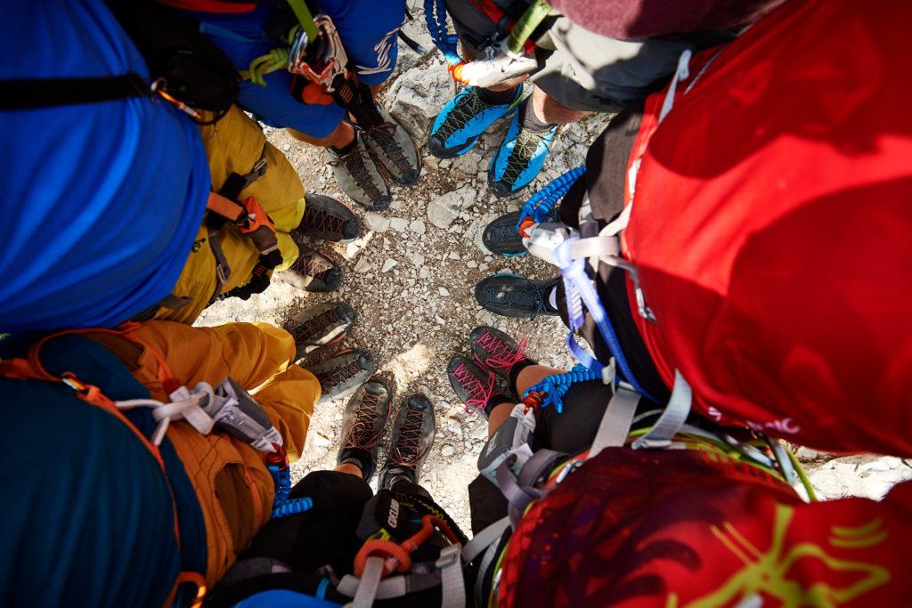 Die Gruppe mit dem Scarpa Mescalito am Gipfel des Cima Capi