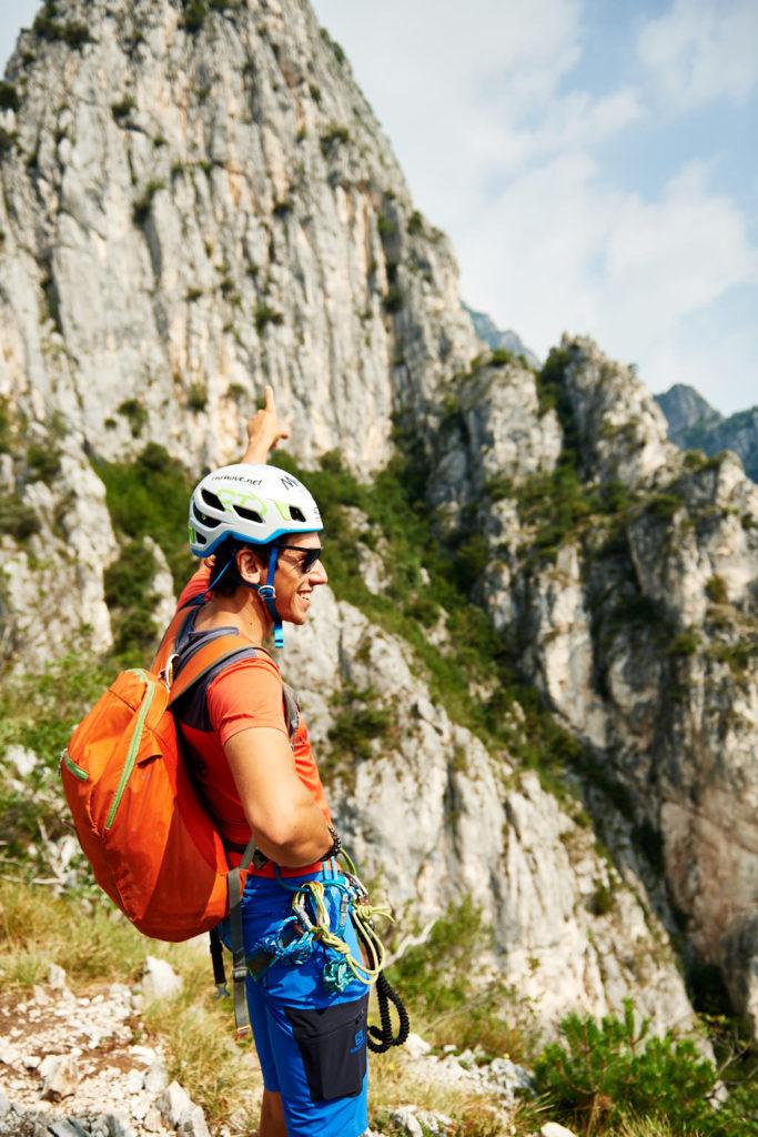 Matteo Guardini zeigt den Gipfel