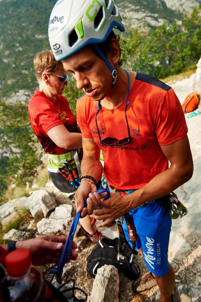 Anlegen der Klettersteig-Ausrüstung